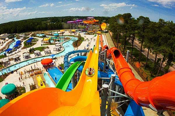Large and medium water park