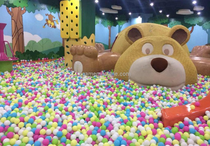 Why add a marine ball pool to the indoor children's playground in the mall?