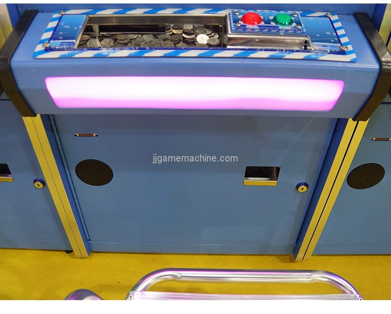 New arrival coin operated attractive prize coin pusher game machine