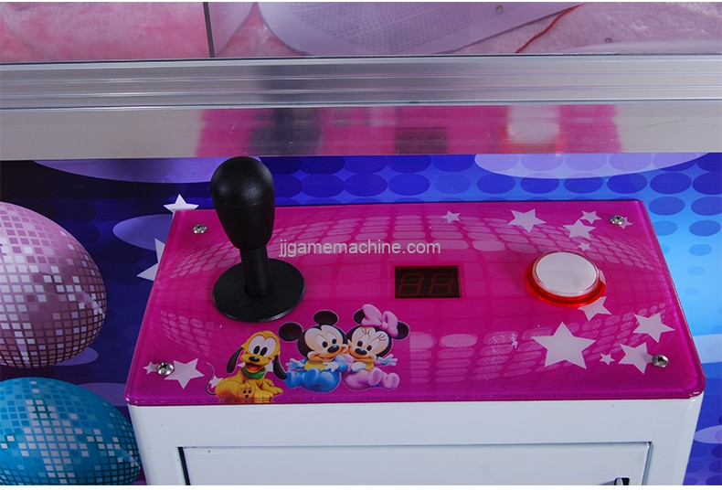 Chinese coin operated aluminium alloy doll catching machine claw crane machine