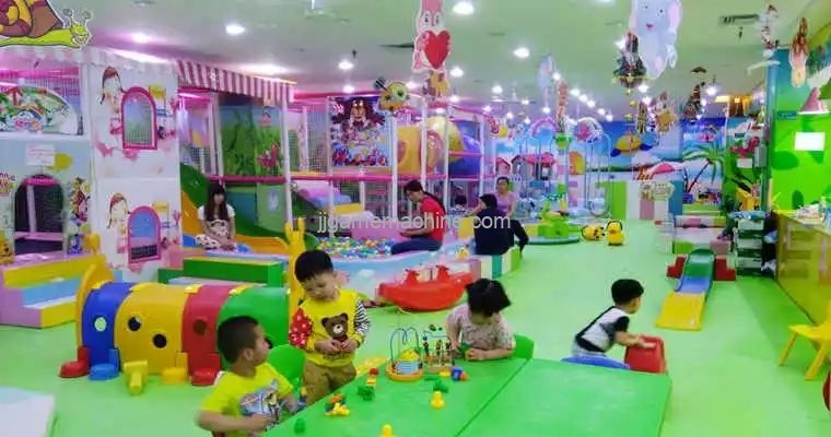 Shopping malls aim at children's business, leveraging children's parks to attract family consumers