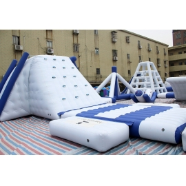 Inflatable Moving Water Park