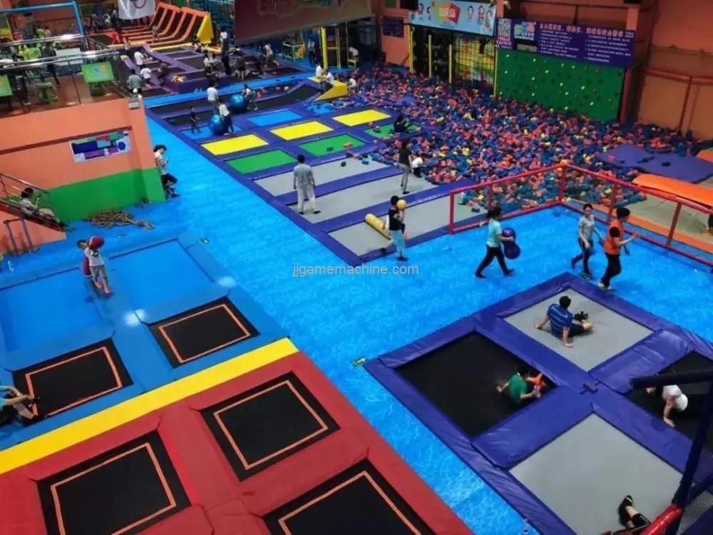 Children's Sports Park, through some children's development, climbing, rope net exploration as one of the amusement equipment
